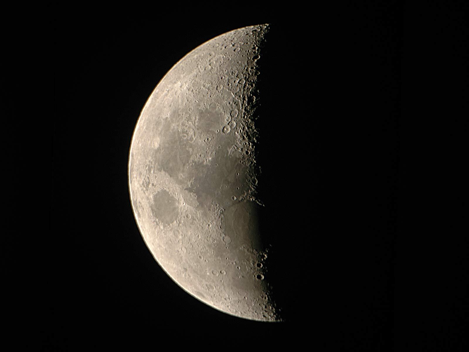 明日は下弦の月。恋人のケアを入念に